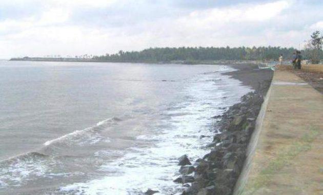 65 Tempat Wisata Banyuwangi Terkenal Menarik Dikunjungi Pantai Blimbingsari Trianggulasi