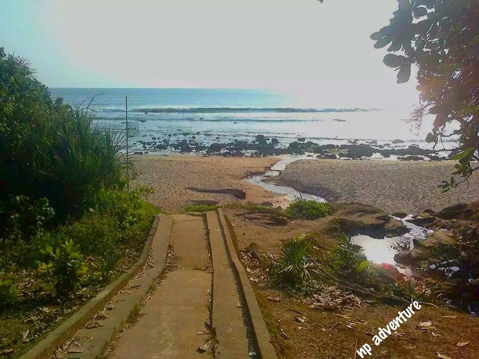 Jejak Kaki Pantai Pancur Banyuwangi Terletak Desa Tegaldlimo Kab Berada