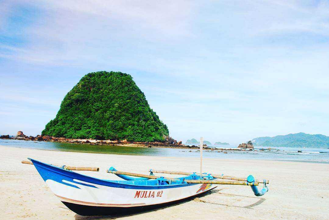 Bersantai Pantai Pulau Merah Banyuwangi Seputar Wisata Bagi Bingung Berkunjung