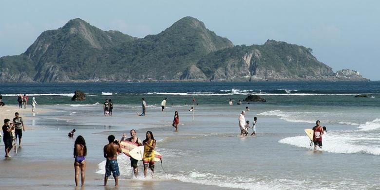 Kompetisi Surfing Pulau Merah Banyuwangi Diikuti 20 Negara Kab