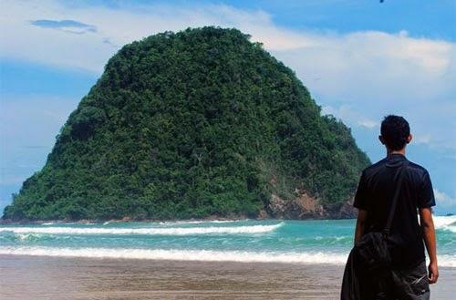Pantai Pulau Merah Banyuwangi Kab