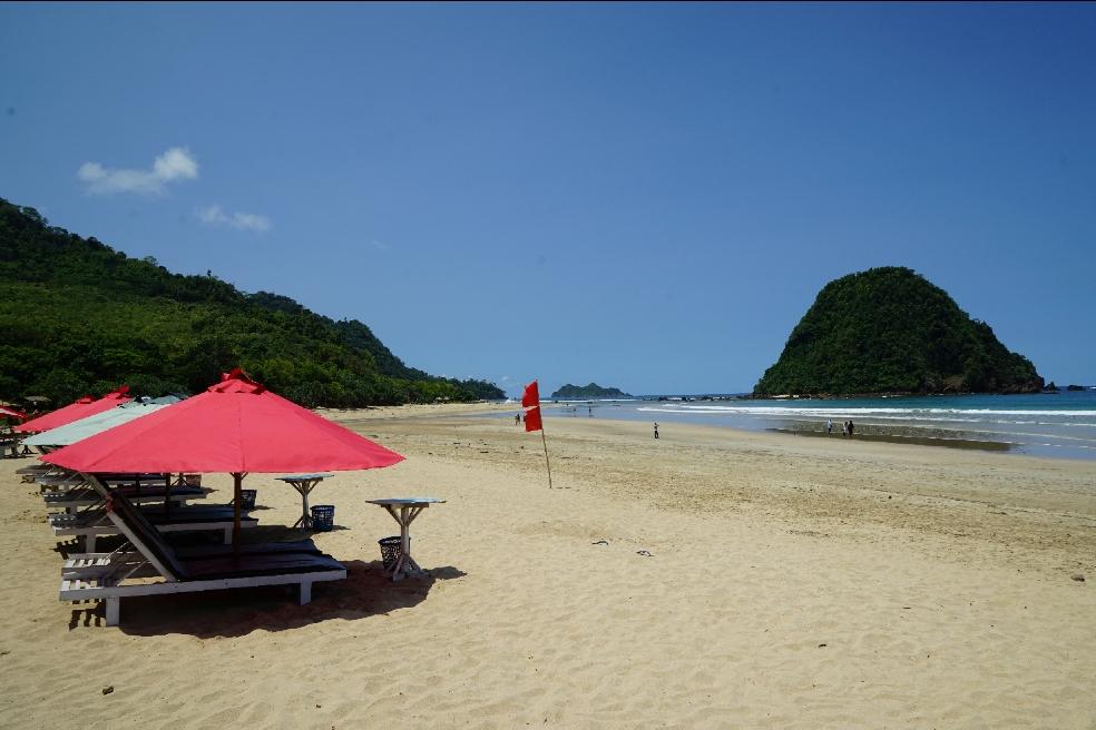 Pantai Pulau Merah Wisata Banyuwangi Mempesona Tempat Kab