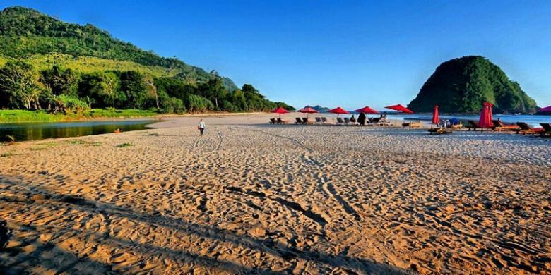 Pesona Pantai Pulau Merah Kuta Kedua Jawa Timur Objek Wisata