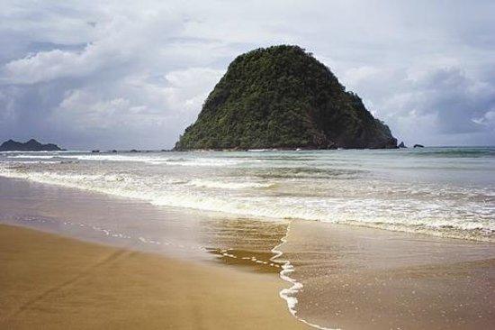Pulau Merah Red Island Banyuwangi Beach Traveller Reviews Tripadvisor Kab