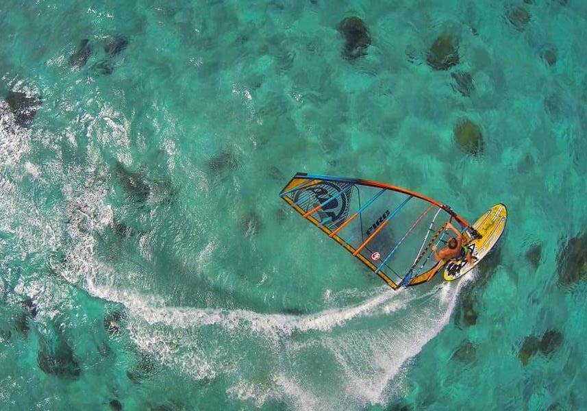 Eloknya Pulau Tabuhan Lomba Selancar Angin Digelar Josstoday Today Kemasan
