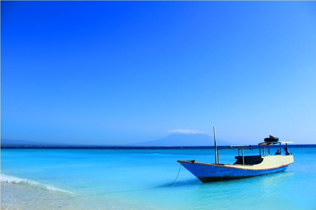 Mongabay Travel Beginilah Eksotisme Pantai Pasir Putih Pulau Tabuhan Banyuwangi