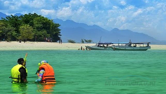 Pesona Pulau Tabuhan Banyuwangi Bromotour Id Kab