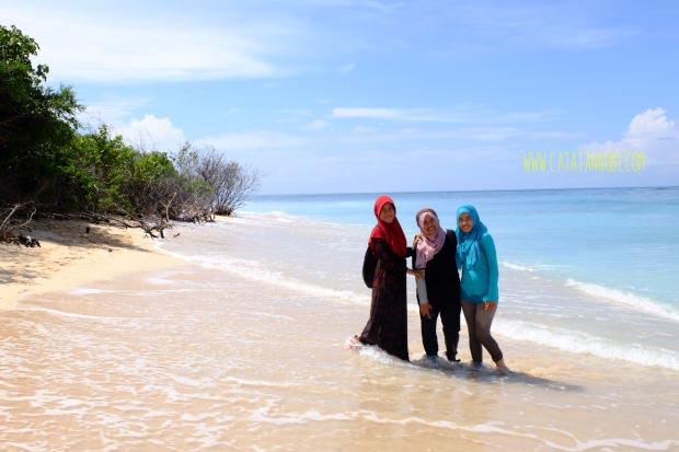 Pulau Tabuhan Banyuwangi Kecil Tengah Laut Selat Bali Spot Foto