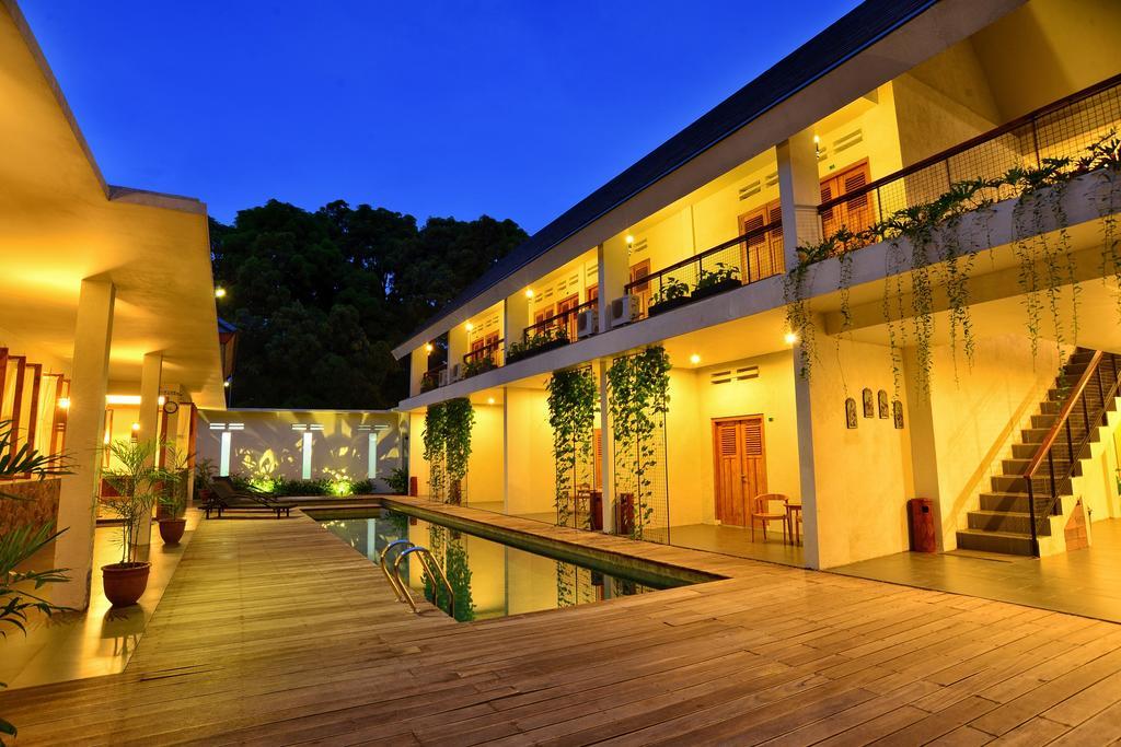Hotel Blambangan Banyuwangi Indonesia Booking Taman Kab