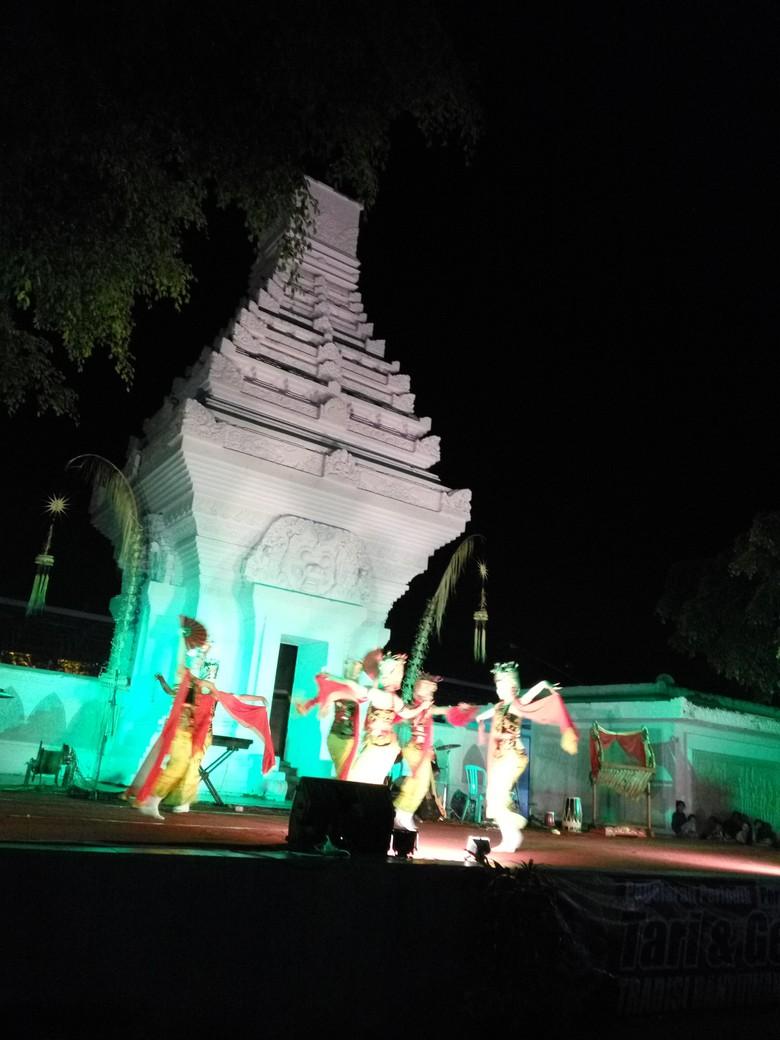 Malam Mingguan Taman Blambangan Banyuwangi Meriahnya Kab