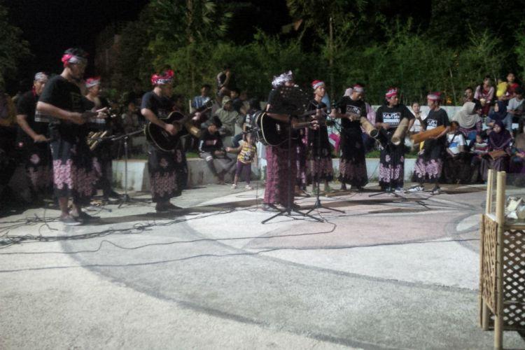 Banyuwangi Merdeka Menikmati Malam Minggu Bareng Jazz Patrol Taman Sri