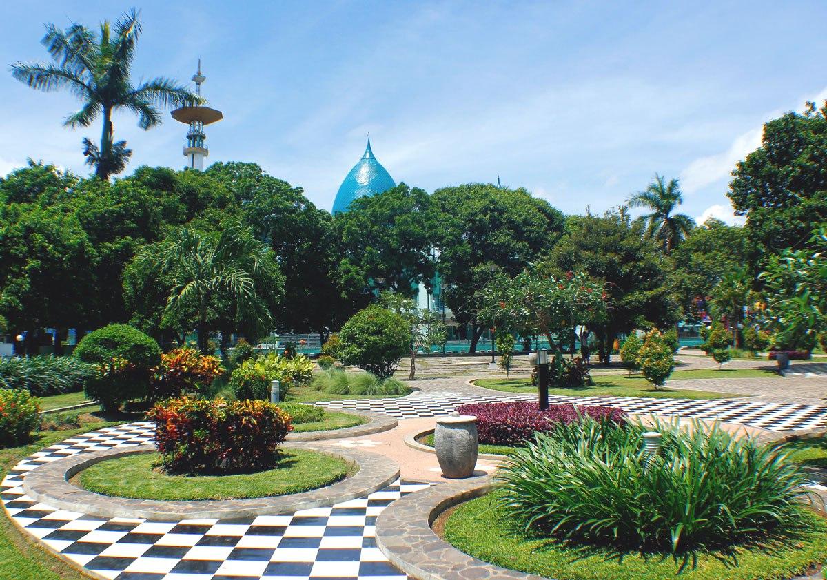 Cantiknya Taman Sri Tanjung Banyuwangi Bagus Sritanjung Cantik Foto Www