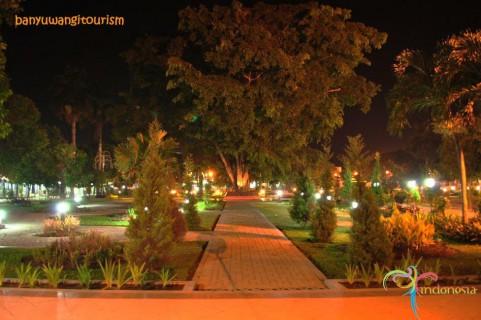 Cantiknya Taman Sri Tanjung Banyuwangi Bagus Suasana Sritanjung Malam Hari