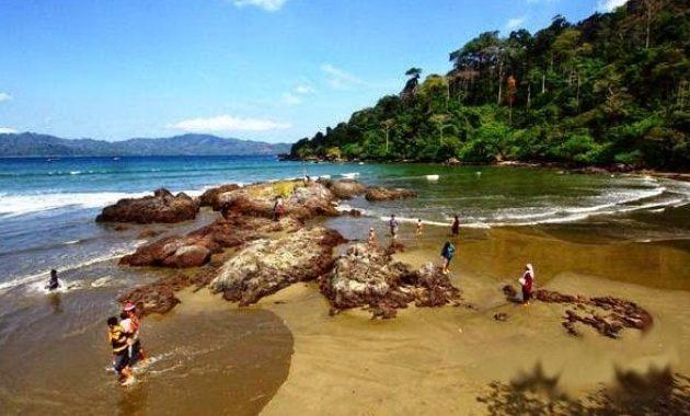 30 Daftar Tempat Wisata Banyuwangi Jawa Timur Menarik Pantai Rajegwesi