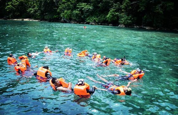 Fasilitas Lengkap Jalan Menuju Pantai Teluk Biru Banyuwangi Kab