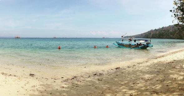 Fasilitas Lengkap Jalan Menuju Pantai Teluk Biru Banyuwangi Perahu Kab