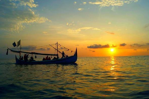 Fasilitas Lengkap Jalan Menuju Pantai Teluk Biru Banyuwangi Sunrise Kab