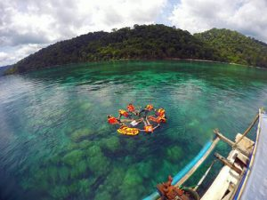 Paket Snorkeling Wisata Teluk Biru Banyuwangi Fullday Private Tour 18