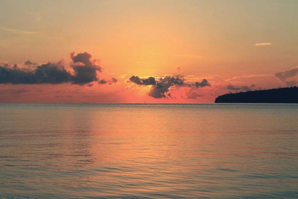 Teluk Biru Banyuwangi Biaya Sewa Perahu Lokasi Rute Surga Tersembunyi