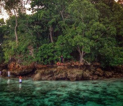 Wisata Teluk Biru Banyuwangi Menjadi Surga Pecinta Kab