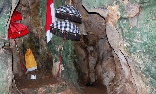 8 Wisata Mistis Banyuwangi Angker Misteri Tugu Inkai Kab
