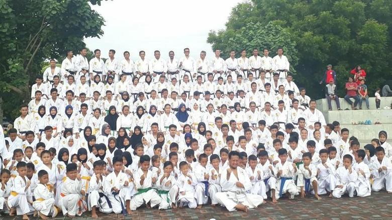 Meninggalnya 26 Atlet Inkai 300 Karate Ka Tabur Bunga Kenang