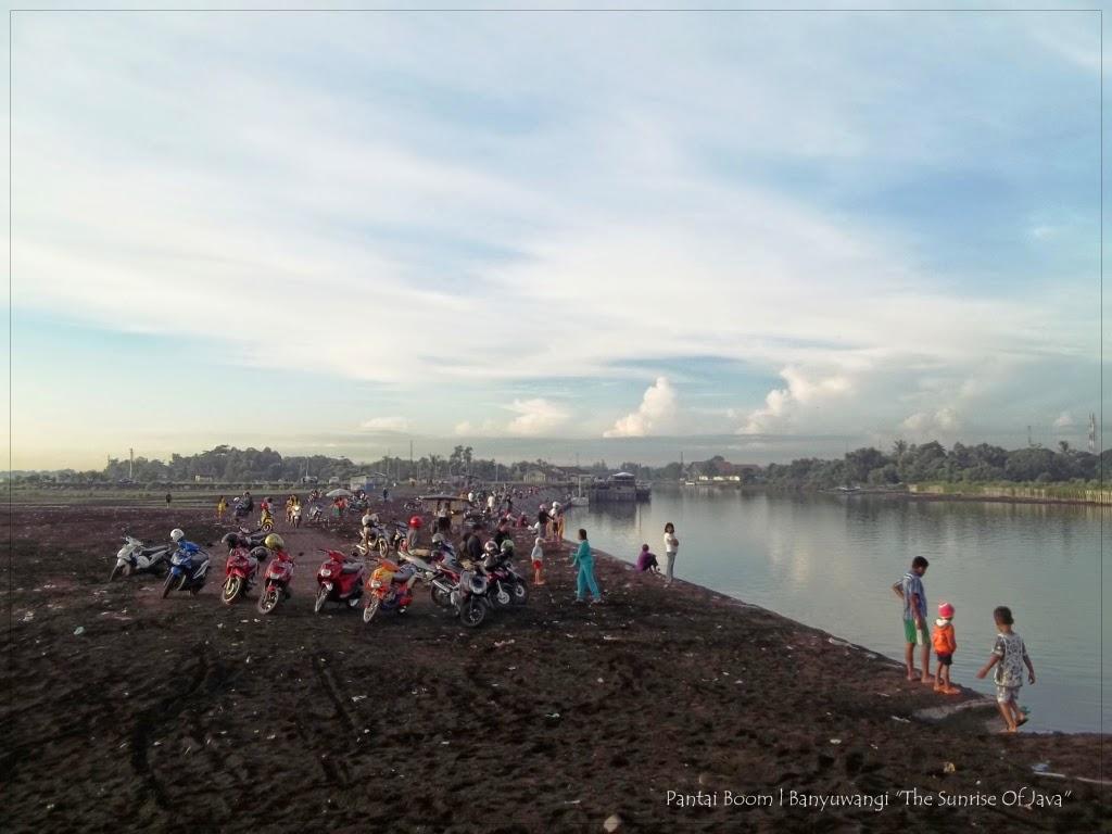Pantai Boom Banyuwangi Bagus Bergeser Dermaga Nelayan Berada Wilayah Bisa