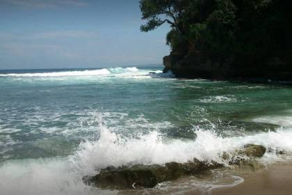 Pantai Boom Banyuwangi Fasilitas Harga Tiket Rute Map Mrutu Tugu