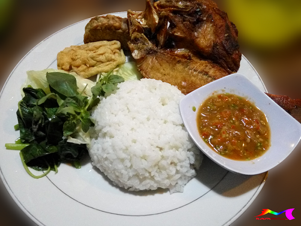 Pantai Boom Banyuwangi Nuansa Maritim Sejarah Panorama Budaya Sajian Kuliner