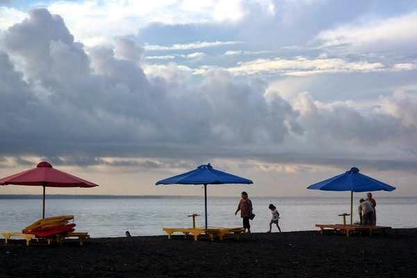 Wisata Pantai Boom Terpopuler Terindah 2018 Tugu Inkai Kab Banyuwangi