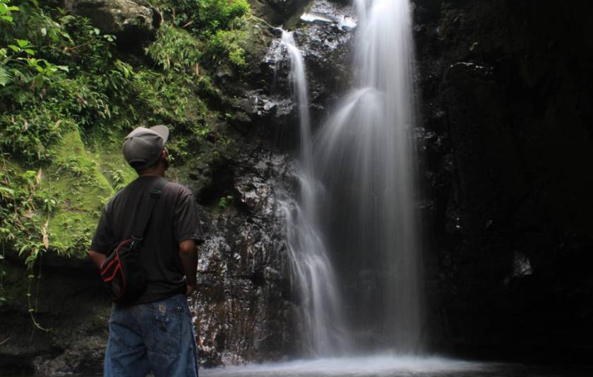 22 Tempat Destinasi Wisata Banyuwangi Hits Berfoto Air Terjun Kalibendo