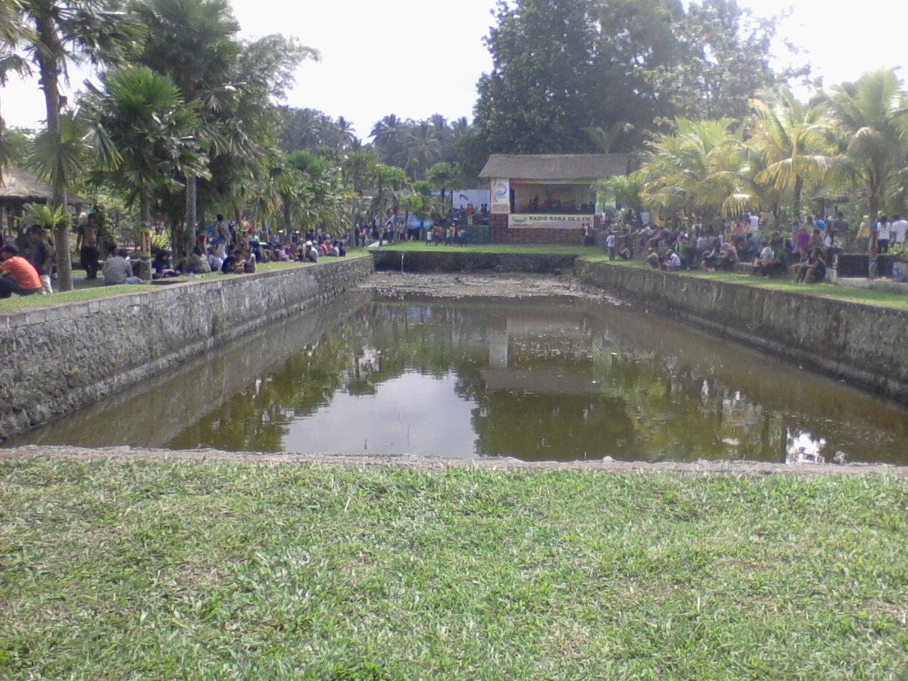 Maphia Black Umbul Bening Park Swimming Pool Sariqua Pemandian Terletak