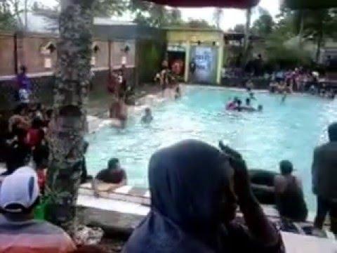 Pemandian Kolam Renang Kinclong Umbul Pule Youtube Bening Water Park