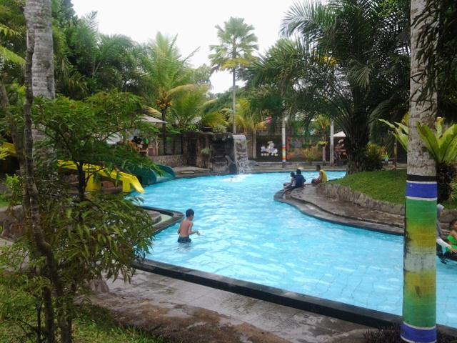 Wisata Kolam Renang Umbul Bening 11 Water Park Kab Banyuwangi