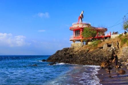34 Tempat Wisata Banyuwangi Wajib Dikunjungi Pantai Watu Dodol Berada
