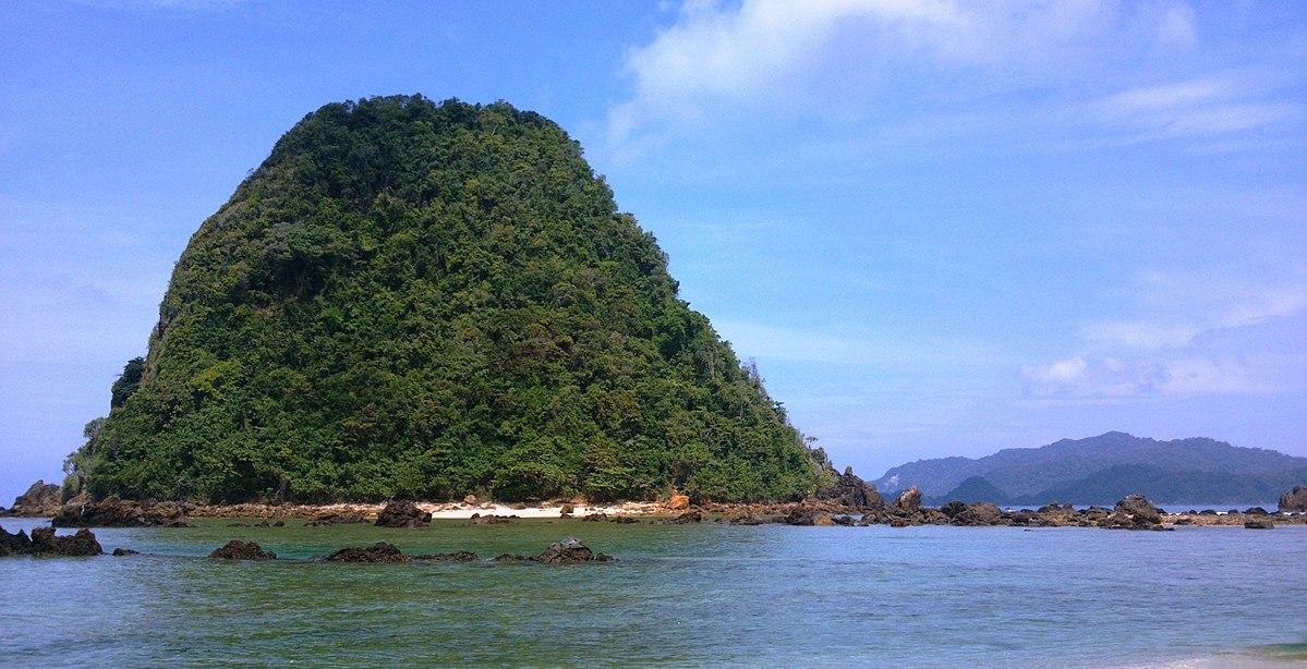 Pantai Pulau Merah Wikipedia Bahasa Indonesia Ensiklopedia Bebas Umbul Pule