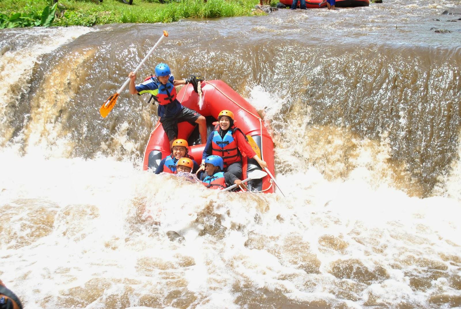 Karo Adventure Rafting Extrim Songgon Banyuwangi Wisata Kab