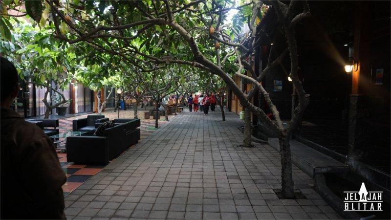 Kampung Coklat Jelajah Blitar Suasana Cokelat Kab
