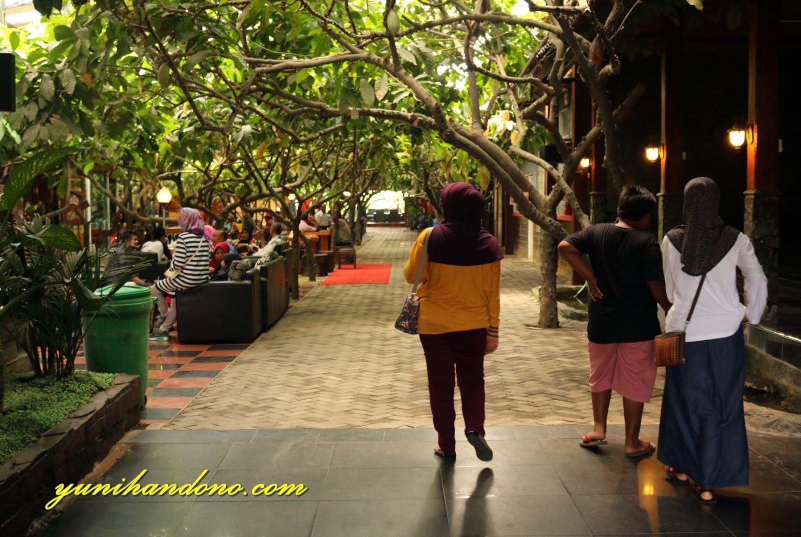 Kampung Coklat Sebuah Wahana Rekreasi Mengedukasi Barangkali Kehadiran Blitar Mendongkrak