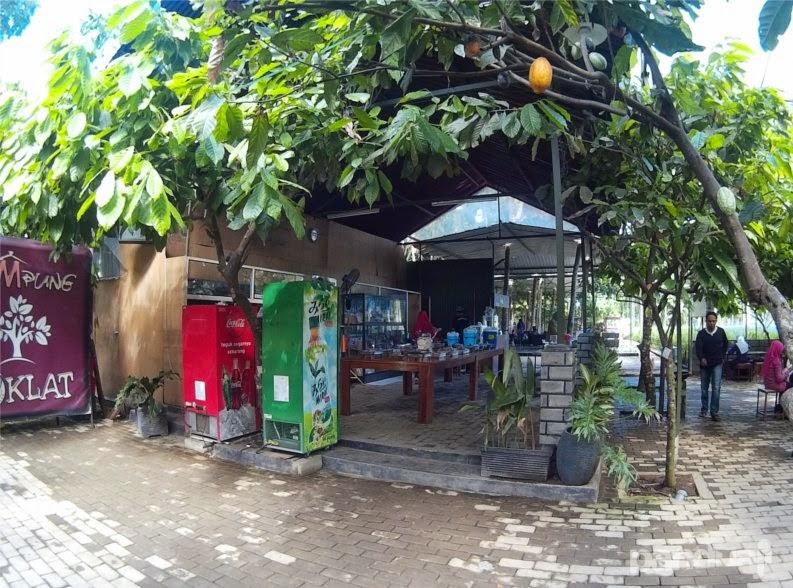 Kampung Coklat Wisata Kuliner Edukasi Blitar Trip Paper Kios Makanan