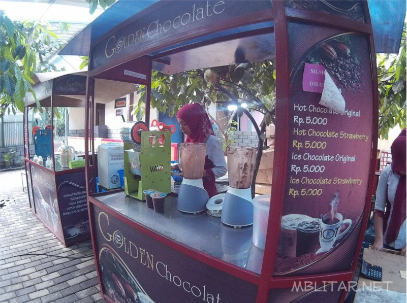 Wisata Edukasi Kampung Coklat Blitar Mblitar Net Outlet Minuman Cokelat