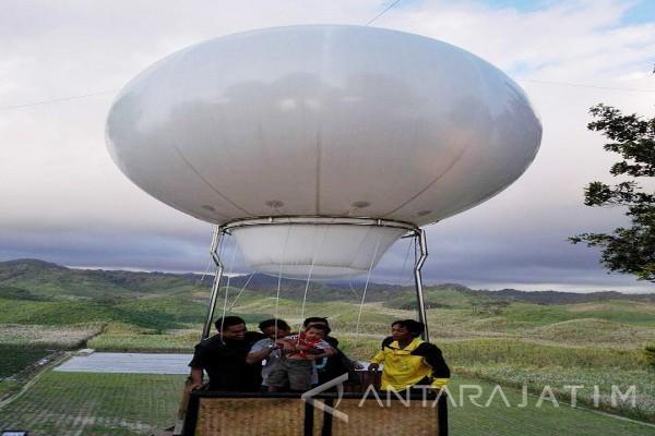 Menikmati Sejuknya Bukit Teletubbies Blitar Antara News Jawa Timur Kebun
