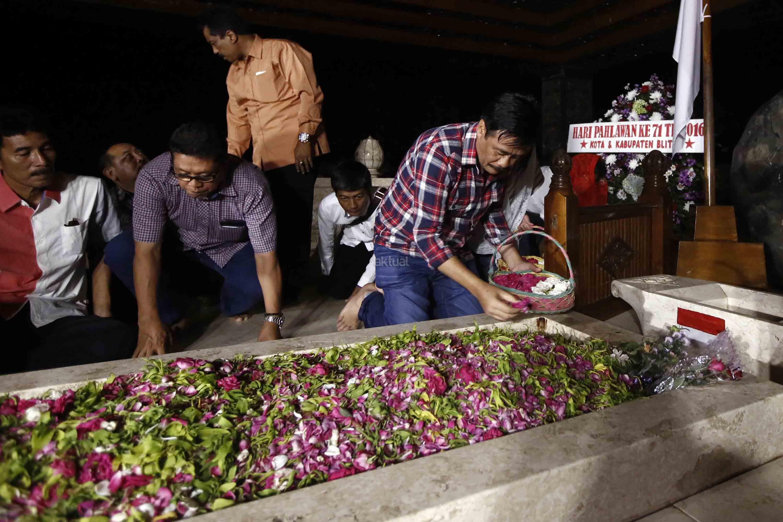 Djarot Ziarah Makam Bung Karno Aktual Terhangat Terpercaya Kab Blitar