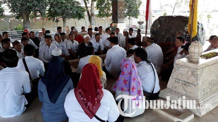 Jalan Depan Pendapa Makam Bung Karno Ditutup Alasannya Kab Blitar