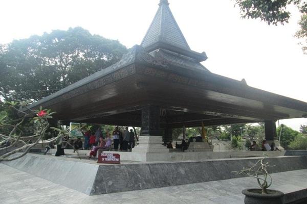 Jelang Ramadan Megawati Nyadran Makam Bung Karno Blitar Youtube Kab