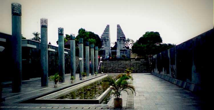 Makam Bung Karno Wisata Sejarah Icon Kota Blitar Kabarmaya Id
