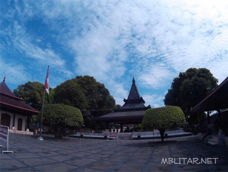 Makam Bung Karno Wisata Wajib Blitar Mblitar Net Kab