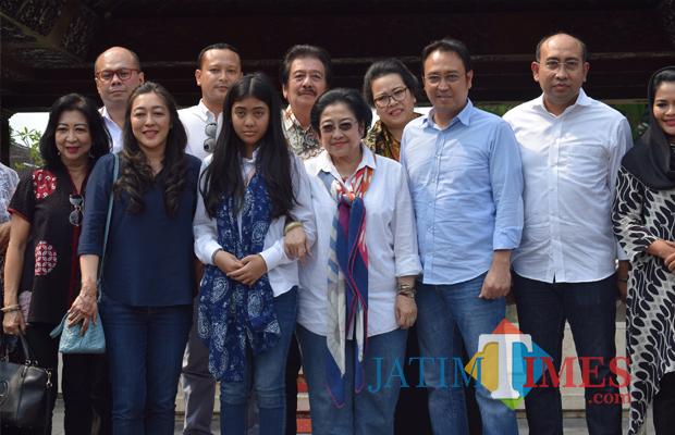 Tradisi Jelang Ramadan Megawati Puti Nyekar Makam Bung Karno Sokarno