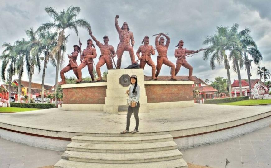 23 Tempat Wisata Instagramable Blitar Terbaru Hits Monumen Peta Kab