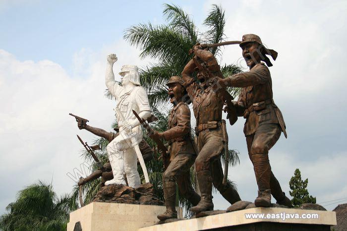 Galeri Foto Monumen Peta Kota Blitar Galleries Monument Preview 03